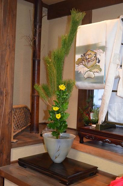 2013年度最後の華道教室! お正月用の生花と自由花_d0230676_17421241.jpg