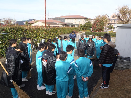 袋井中学校水泳部の皆さんの奉仕活動です!!_c0184994_12102668.jpg