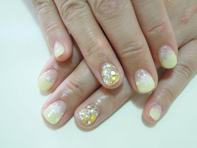 Yellow Nail_a0239065_1985493.jpg