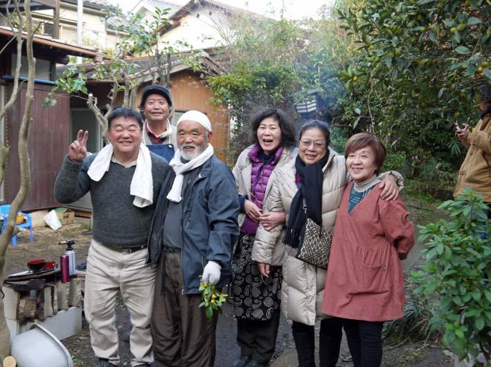 北鎌倉で餅つき3題①カッちゃん邸に湧水ネットの仲間集合_c0014967_21255567.jpg