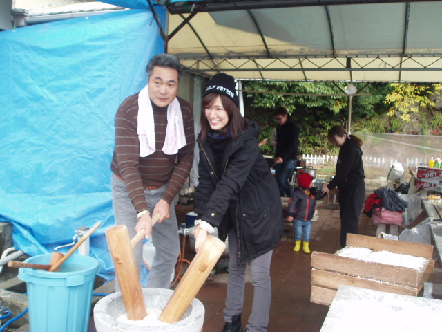 つばきマリーナの餅つき会_a0077071_13243475.jpg