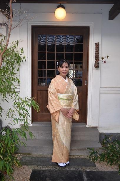 牛首紬の訪問着を纏い、息子さんの成人式前撮りへ_d0230676_1451422.jpg