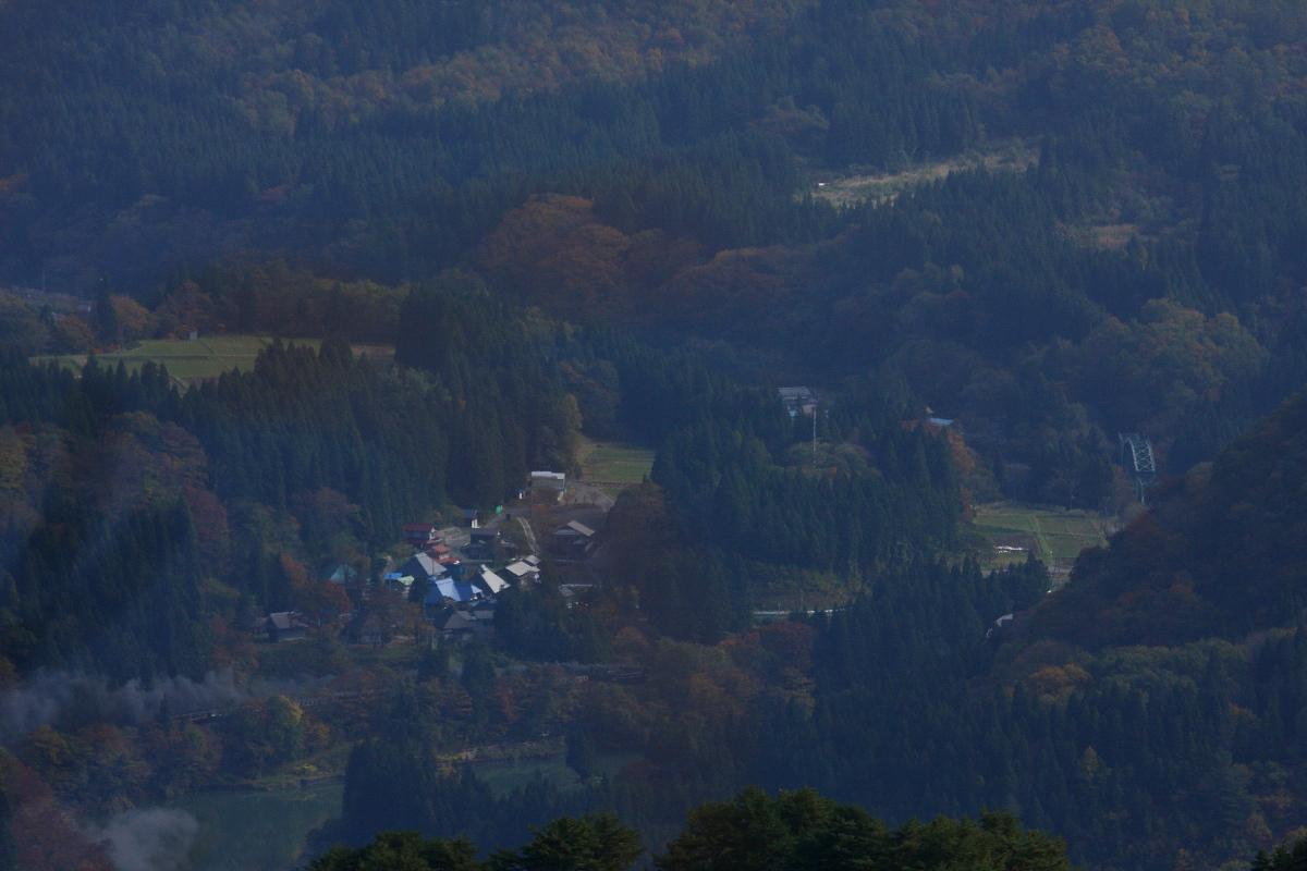 山の頂から見た秋 - 2013年紅葉の磐西 -  _b0190710_16141696.jpg