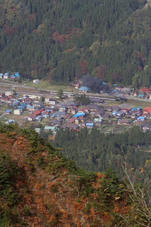 山の頂から見た秋 - 2013年紅葉の磐西 -  _b0190710_16145538.jpg
