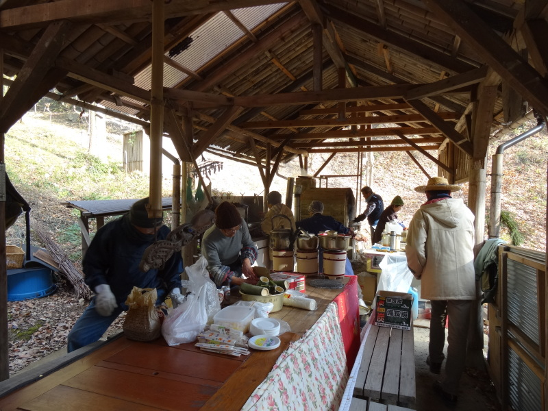 孝子の森で望年会_c0108460_23234458.jpg