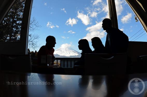 富士を望む丘のカフェ_c0229485_1353447.jpg