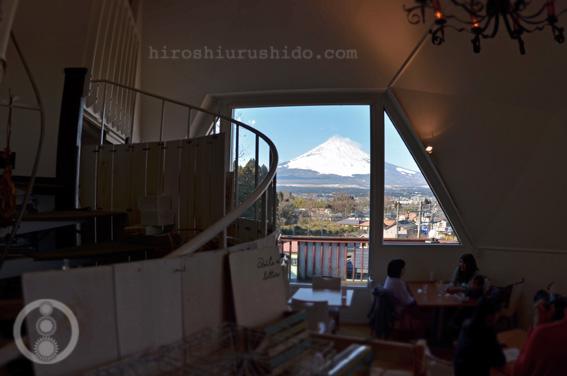 富士を望む丘のカフェ_c0229485_1353621.jpg