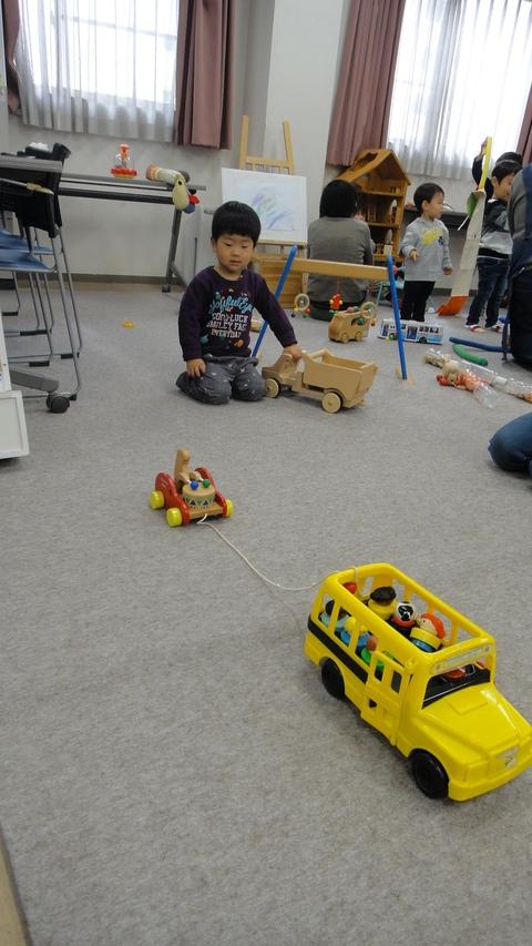 車のおもちゃ!_a0269923_21650.jpg