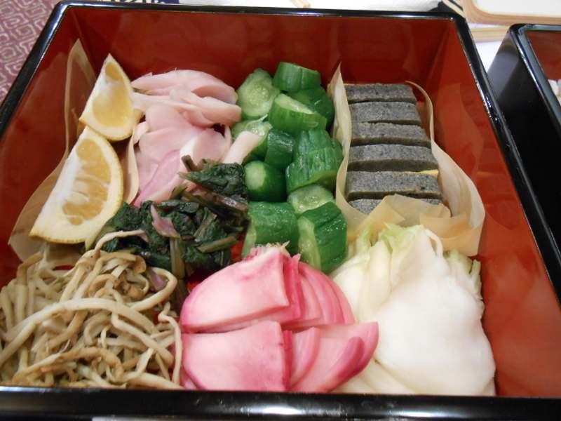 2013年もあとわずか、博多座で文楽鑑賞。昼の部と夜の部の間にお弁当です。_a0095931_1349143.jpg