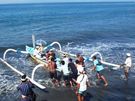 サヌールには11のビーチがあります_d0083068_15325279.jpg