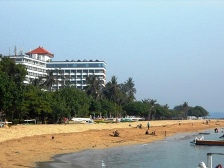 サヌールには11のビーチがあります_d0083068_15331819.jpg
