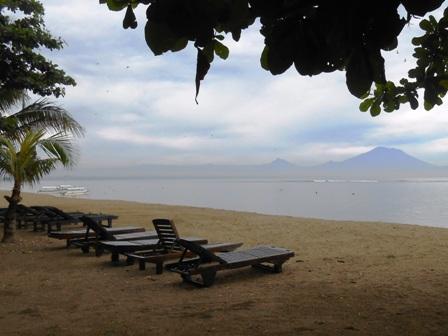 サヌールには11のビーチがあります_d0083068_15353066.jpg