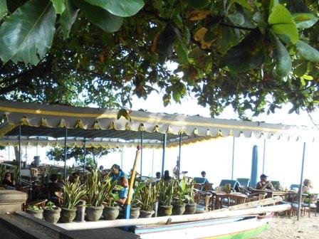 サヌールには11のビーチがあります_d0083068_1535323.jpg