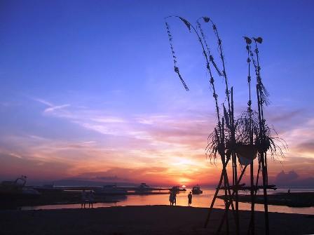 サヌールには11のビーチがあります_d0083068_15363776.jpg