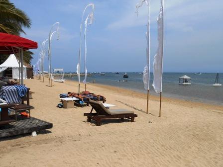 サヌールには11のビーチがあります_d0083068_153969.jpg