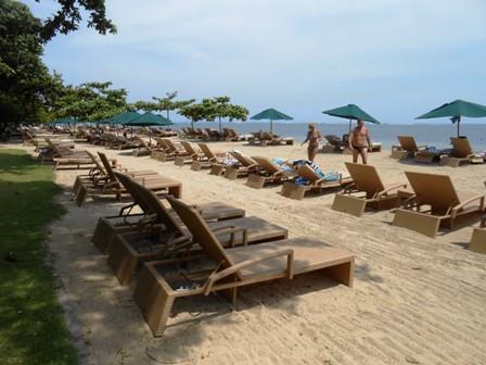 サヌールには11のビーチがあります_d0083068_154125.jpg