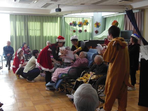 蓮田園クリスマス会☆_e0040673_14335532.jpg