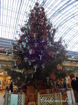 F&Mのクリスマスツリー@St Pancras_f0238789_119083.jpg