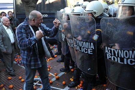 ギリシャ首相「追加融資は不要」、2014年の支援脱却目指す_b0064113_22222962.jpg