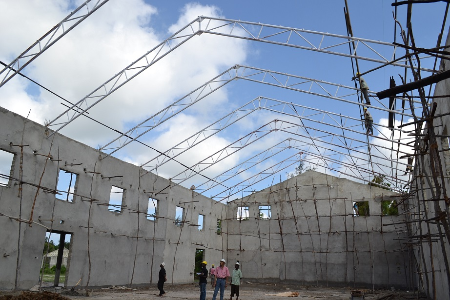 The construction of Pemba Budokan -15- inspection by Ambassador~ペンバ武道館建設・日本大使の視察_a0088841_22485616.jpg