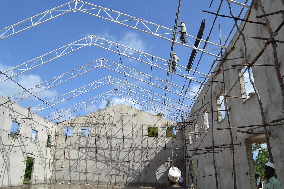 The construction of Pemba Budokan -15- inspection by Ambassador~ペンバ武道館建設・日本大使の視察_a0088841_22492737.jpg