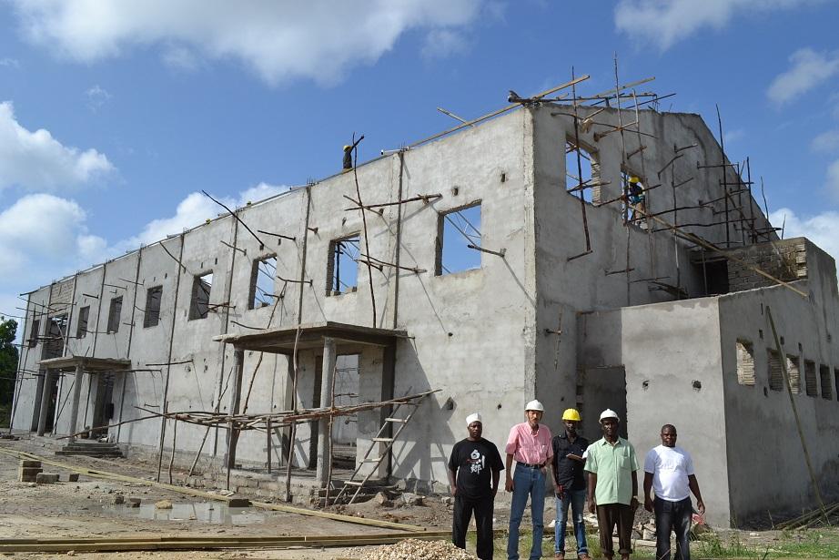 The construction of Pemba Budokan -15- inspection by Ambassador~ペンバ武道館建設・日本大使の視察_a0088841_2249867.jpg