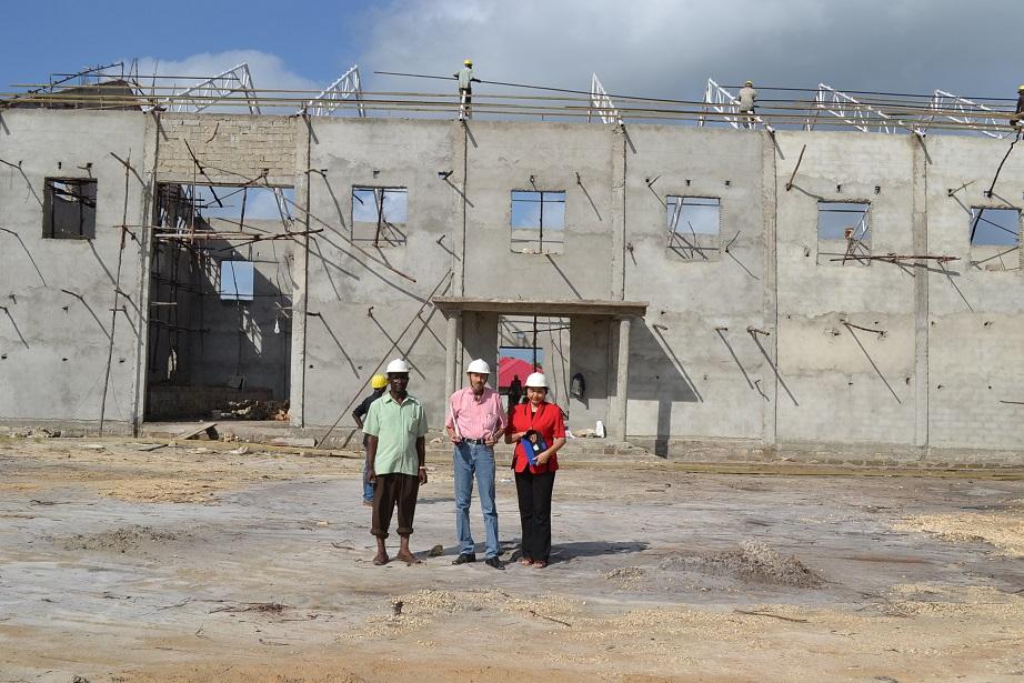The construction of Pemba Budokan -15- inspection by Ambassador~ペンバ武道館建設・日本大使の視察_a0088841_22501140.jpg