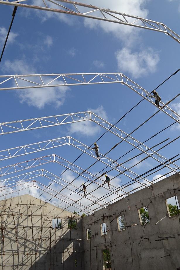 The construction of Pemba Budokan -15- inspection by Ambassador~ペンバ武道館建設・日本大使の視察_a0088841_22503142.jpg