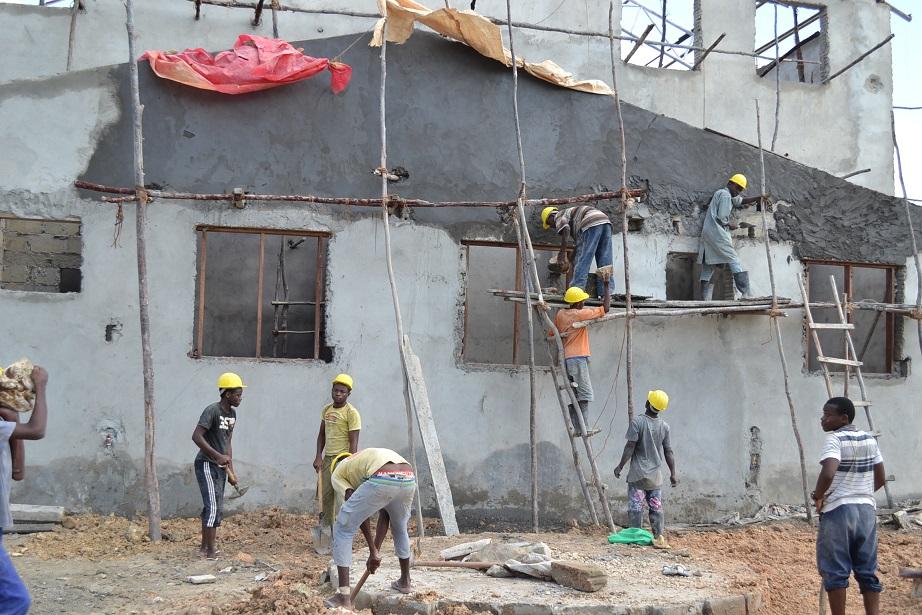The construction of Pemba Budokan -15- inspection by Ambassador~ペンバ武道館建設・日本大使の視察_a0088841_22505940.jpg