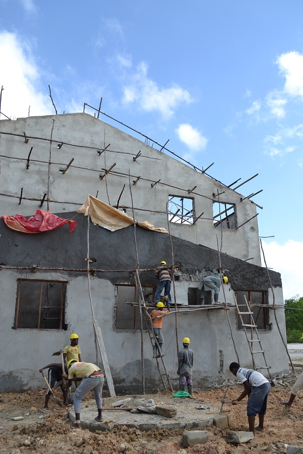 The construction of Pemba Budokan -15- inspection by Ambassador~ペンバ武道館建設・日本大使の視察_a0088841_2251964.jpg