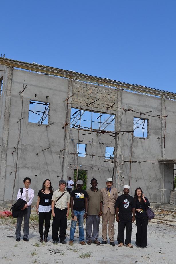 The construction of Pemba Budokan -15- inspection by Ambassador~ペンバ武道館建設・日本大使の視察_a0088841_22575345.jpg