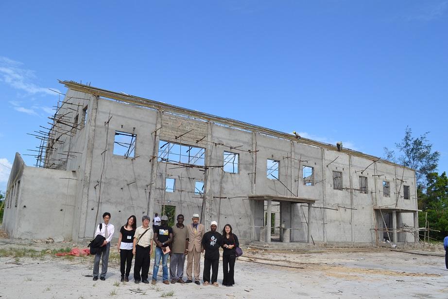 The construction of Pemba Budokan -15- inspection by Ambassador~ペンバ武道館建設・日本大使の視察_a0088841_2258340.jpg