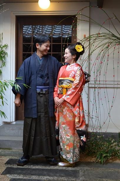 素敵な和装のご夫婦 花餅にいろどられ満面の笑み_d0230676_12143749.jpg