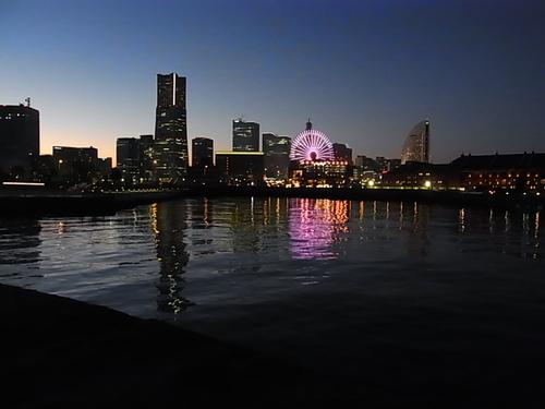 夕暮れの赤レンガから大桟橋へ_b0105897_10531277.jpg