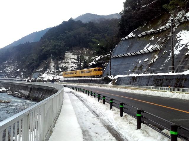 伯備線事故(2006年1月24日)現場に近い駅=根雨(ねう)駅付近_d0155415_13142024.jpg