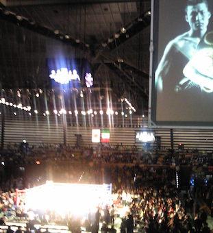 BOXING 内山選手V8 ダブル世界タイトルマッチ #uchiyama takashi #pugilism #boxing #boxer #japanese _b0074921_2356894.jpg