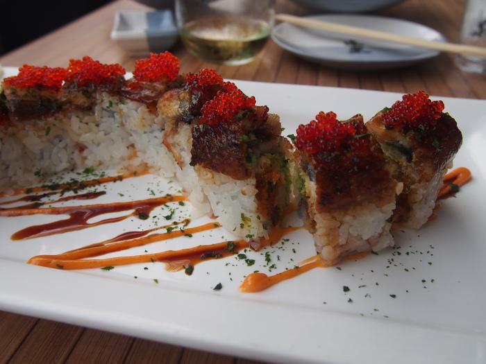 2013 10月 ハワイ  ハレイワからワイキキに戻って寿司をつまむ_f0062122_9584715.jpg