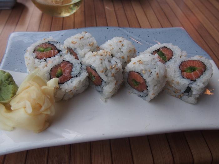 2013 10月 ハワイ  ハレイワからワイキキに戻って寿司をつまむ_f0062122_9591981.jpg