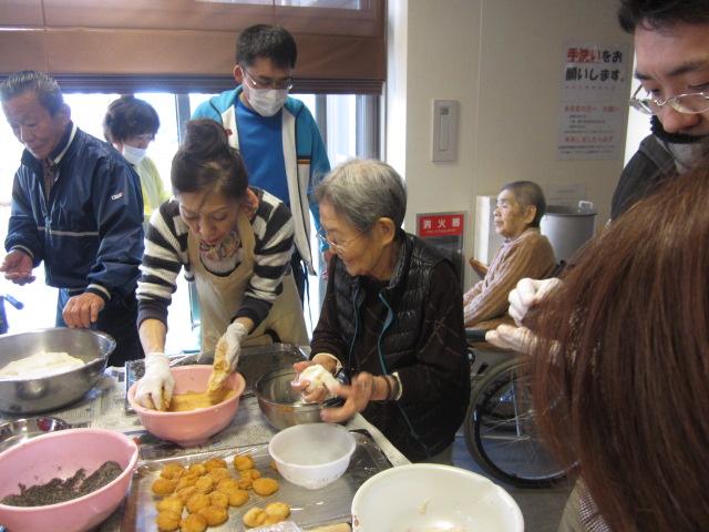 餅つき大会_e0191174_16124412.jpg