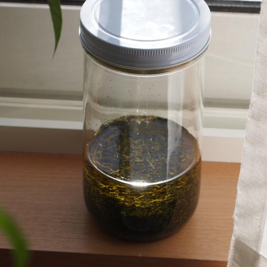 緑茶のインフューズドオイルとユズのチンキ_a0292194_18464829.jpg