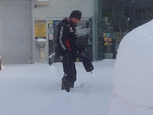 東京オートサロン準備の予定が除雪始めに、明寿ブログ、ランクル200ディーゼル_b0127002_1953036.jpg