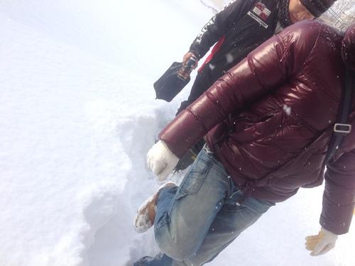 東京オートサロン準備の予定が除雪始めに、明寿ブログ、ランクル200ディーゼル_b0127002_196453.jpg