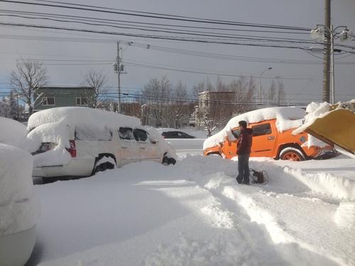 東京オートサロン準備の予定が除雪始めに、明寿ブログ、ランクル200ディーゼル_b0127002_20132945.jpg