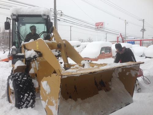 東京オートサロン準備の予定が除雪始めに、明寿ブログ、ランクル200ディーゼル_b0127002_20183981.jpg