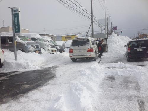 東京オートサロン準備の予定が除雪始めに、明寿ブログ、ランクル200ディーゼル_b0127002_20471678.jpg
