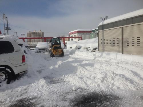 東京オートサロン準備の予定が除雪始めに、明寿ブログ、ランクル200ディーゼル_b0127002_20481121.jpg