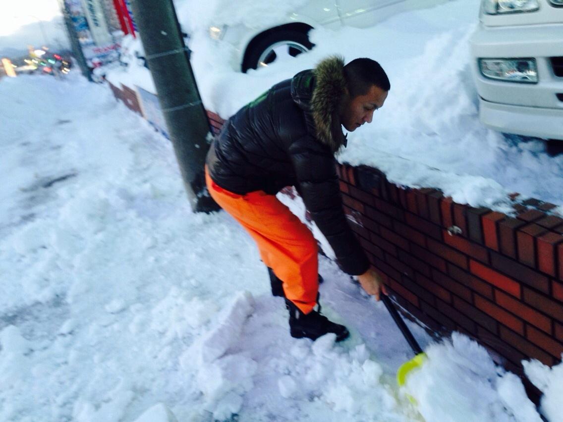 東京オートサロン準備の予定が除雪始めに、明寿ブログ、ランクル200ディーゼル_b0127002_20511040.jpg
