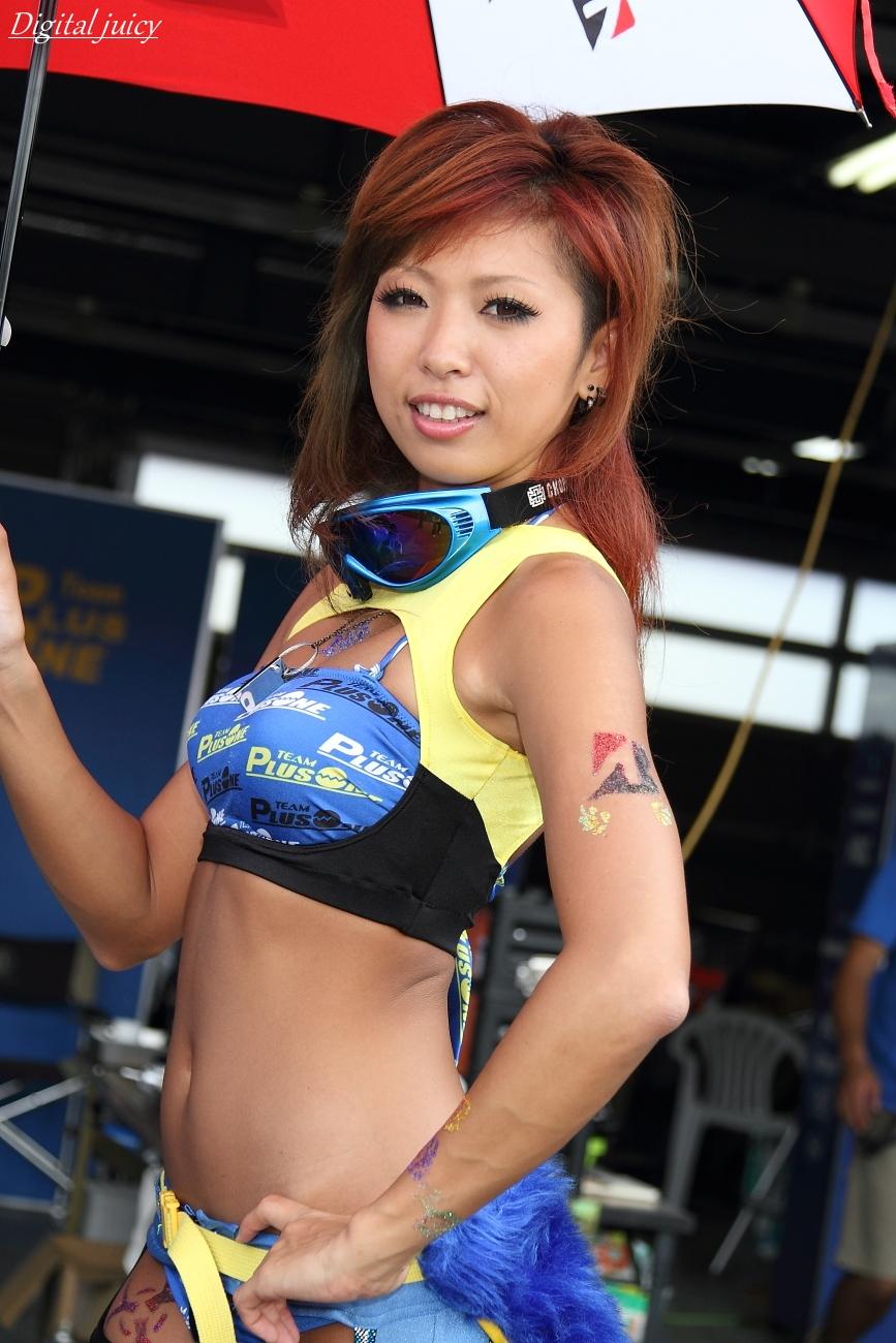 川崎優 さん(PLUS ONE レースクイーン)_c0216181_2303859.jpg