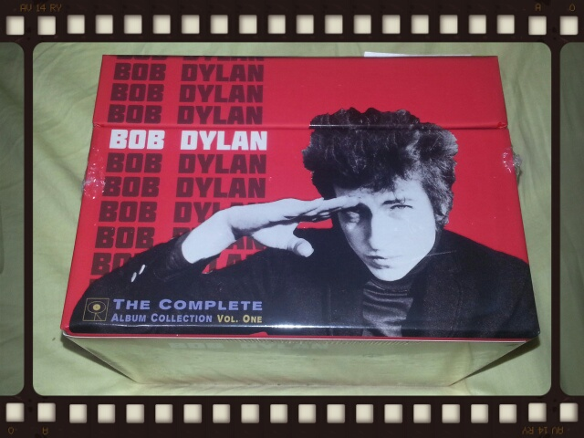 BOB DYLAN / THE COMPLETE COLUMBIA ALBUMS COLLECTION VOL.ONE_b0042308_21244745.jpg