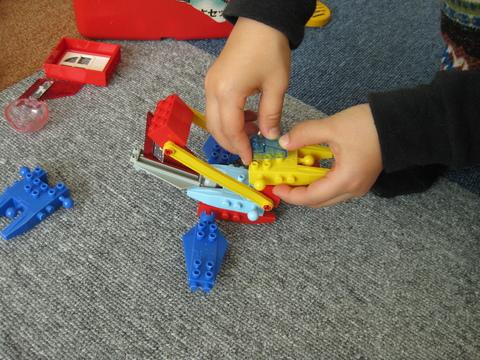 レゴで作ろう!!_b0228113_1435289.jpg